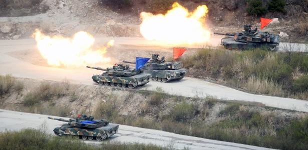 Forças sul-coreanas e norte-americanas participam de exercício militar conjunto em Pocheon, Coreia do Sul