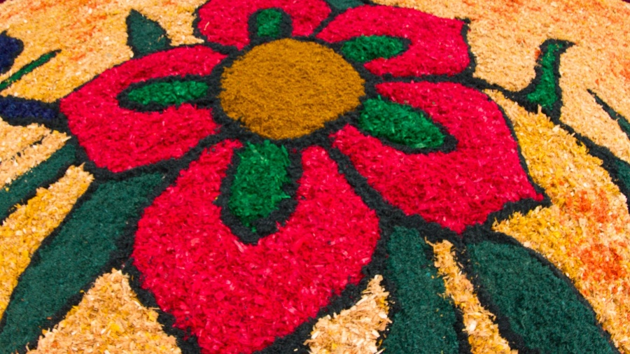 Tapete de Corpus Christi em Santana de Parnaíba (SP); saiba significado do feriado - Joca Duarte/Photopress/Estadão Conteúdo
