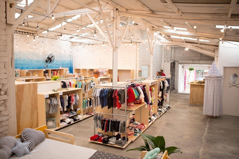 1f35387ac Loja colaborativa reúne marcas pequenas de roupa infantil feita pelas mães
