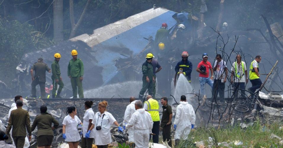 18.mai.2018 - Um Boeing-737 caiu em Cuba pouco tempo depois de decolar do Aeroporto Internacional José Martí, nos arredores de Havana