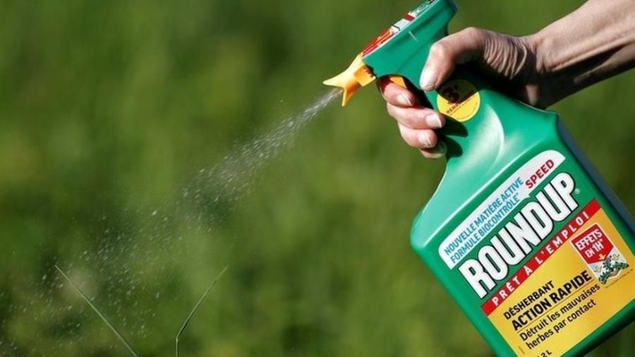 Um aposentado com câncer atribui a doença ao uso do herbicida Roundup - Reuters