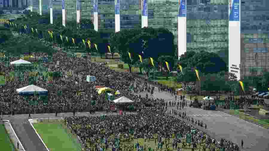 1º.jan.2019 - Público acompanha a posse do presidente eleito Jair Bolsonaro - Nelson Almeida/AFP