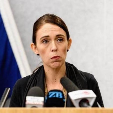 """Primeira-minisra Jacinda Ardern classificou os atentados em Christchurch como """"um ato de terror""""  - Image caption"""