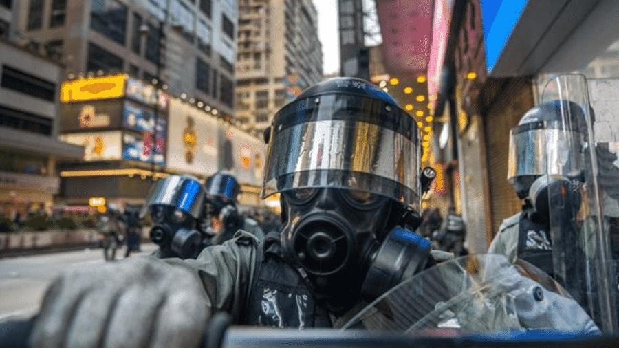 Confrontos entre a polícia e manifestantes estão cada vez mais violentos - Getty Images