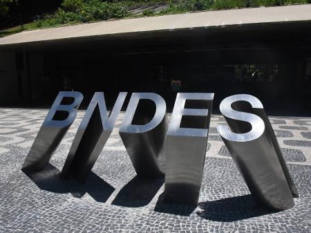 BNDES vende R$ 22,06 bilhões em ações da Petrobras - 06/02/2020 ...