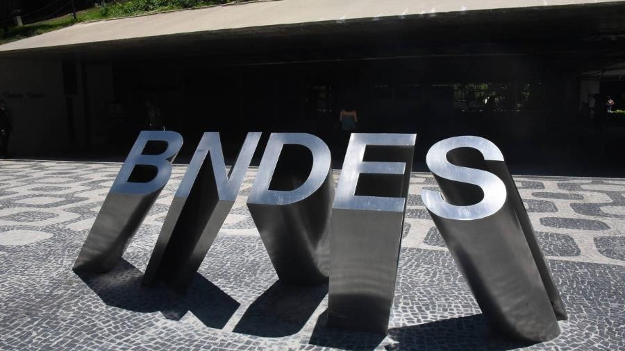 Projeto de lei prevê que BNDES não poderá rejeitar pedido de suspensão do pagamento feito pelo devedor - Bernard Martinez/Folhapress