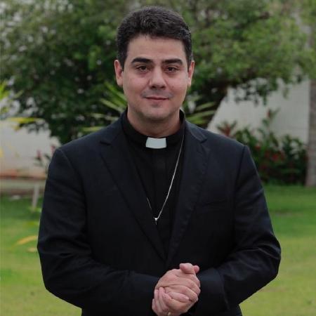 Padre Robson de Oliveira é investigado por lavagem de dinheiro em Goiás - Reprodução/Facebook/Padre Robson de Oliveira