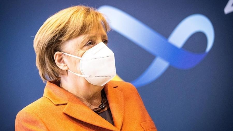Merkel, chanceler alemça, disse que, embora diminuição de infecções novas indique que restrições estão dando resultado, seria um erro amenizá-las - EFE/EPA/RAINER KEUENHOF/POOL