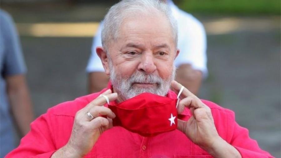 Para estudiosos de Brasil, decisão de Fachin define Lula e Bolsonaro como o segundo turno em 2022, e aponta para desgastes na democracia no país - Reuters