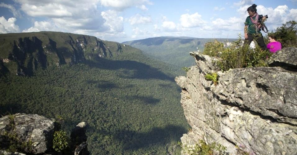 Borda do Monte Tantalita, próximo à divisa entre Amazonas e Roraima. O monte leva este nome por conta do mineral explorado ilegalmente em garimpos clandestinos nos anos 1990, e atualmente desativados