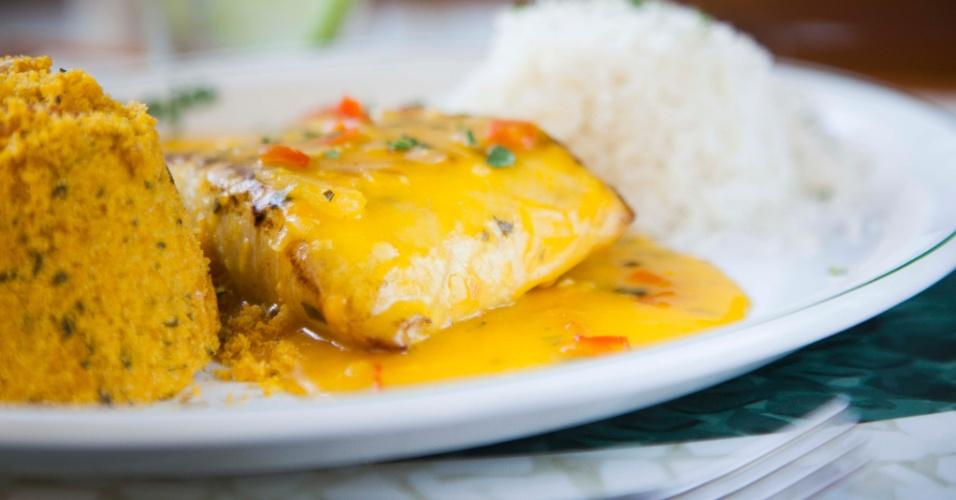 O BijuPira-já é um dos pratos servidos pelo Pirajá; Ele custa R$ 49 e leva à mesa o peixe de água salgada Bijupirá grelhado com molho de bobó acompanhado de arroz branco e farofa de camarão.