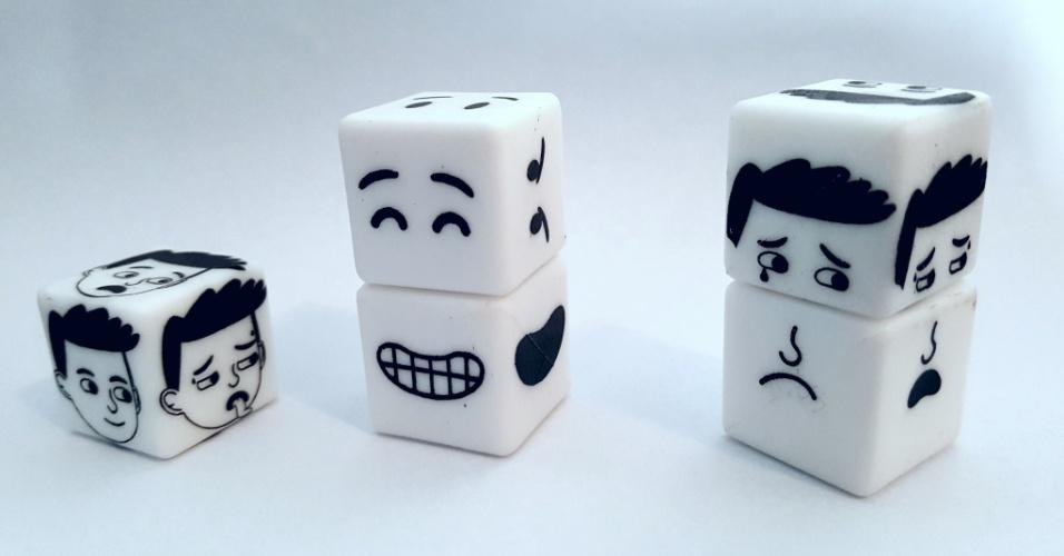 Jogo de dados, criado pela empresária Cristiane Carvalho, dona do site Teraplay, que vende produtos para ajudar na comunicação com crianças autistas