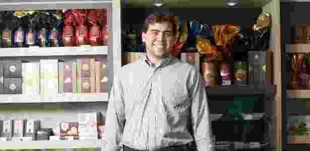 Christian Neugebauer trabalhou na fábrica da família desde jovem e agora tem franquia - Divulgação