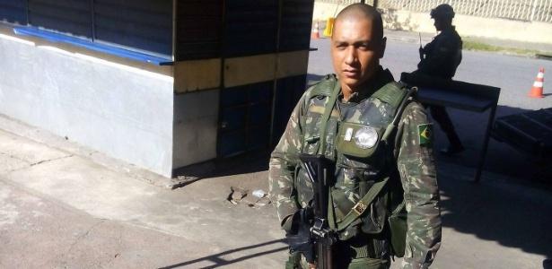O cabo do Exército Fabiano de Oliveira Santos foi baleado em confronto e morreu a caminho do hospital - Reprodução/Facebook
