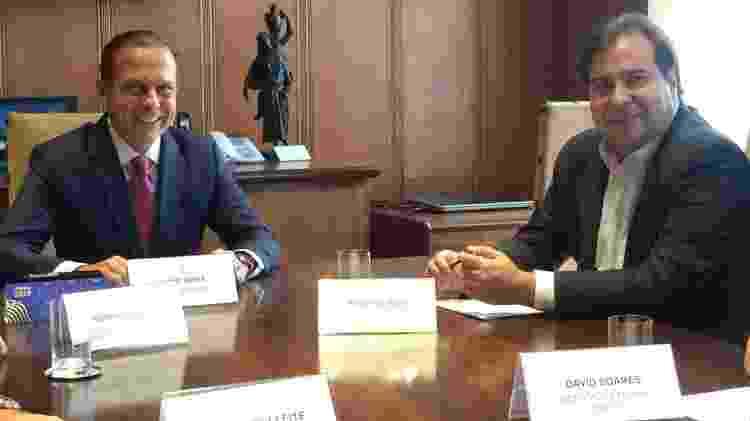 João Doria (PSDB) e Rodrigo Maia (DEM-RJ) durante reunião no Palácio dos Bandeirantes, em SP - 04.jan.2018 - Janaina Garcia/UOL