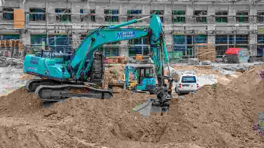 A bomba foi descoberta durante escavações para a construção de um prédio no centro de Berlim - John MacDougall/AFP