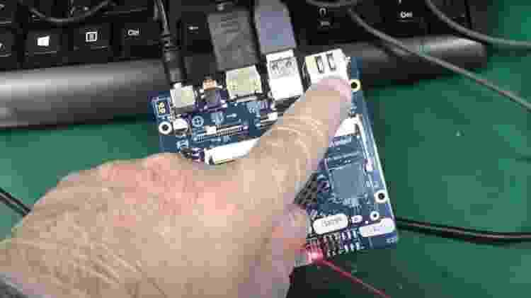 """Computador de placa única """"Labrador"""" que integra o respirador Inspire, desenvolvido pela Poli-USP - Reprodução/YouTube Escola Politécnica USP - Reprodução/YouTube Escola Politécnica USP"""
