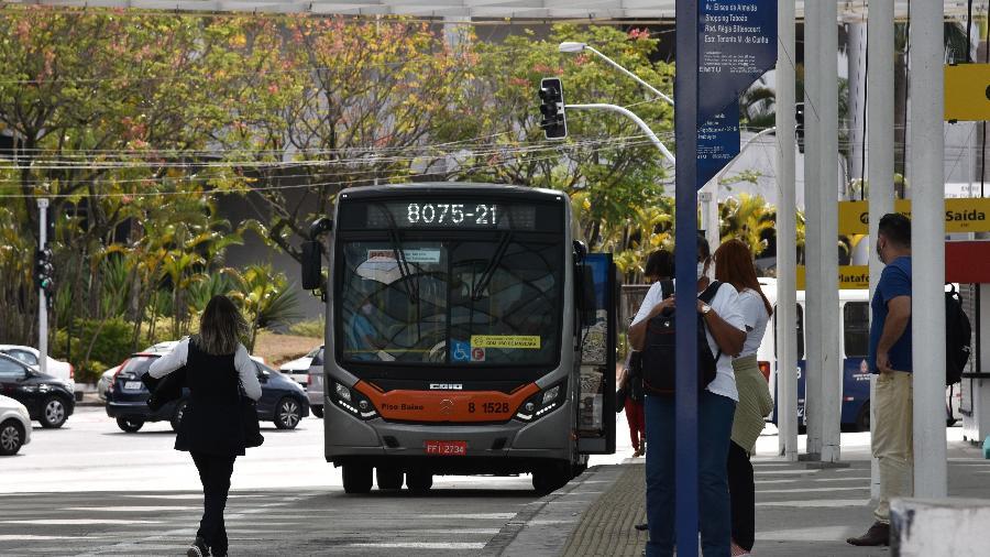 Entidade afirma que empregadores alegam diminuição significativa na quantidade de pessoas transportadas para justificar demissões - Roberto Casemiro/Fotoarena/Estadão Conteúdo