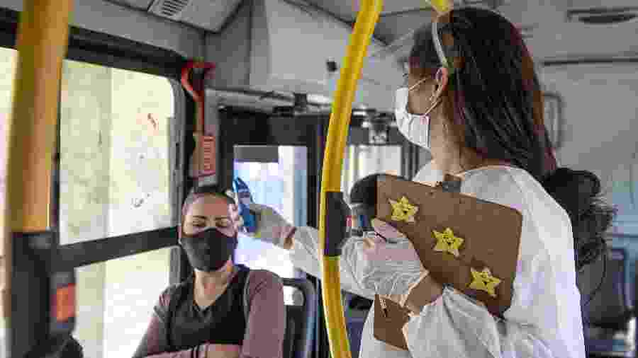 18/05/2020 - Barreiras Sanitárias feitas nas principais vias de Belo Horizonte (MG) durante a pandemia do coronavírus - Gledston Tavares/Framephoto/Estadão Conteúdo