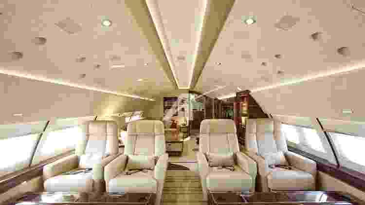 Andar superior do Boeing 747 conta com poltronas e sala de reunião - Divulgação - Divulgação