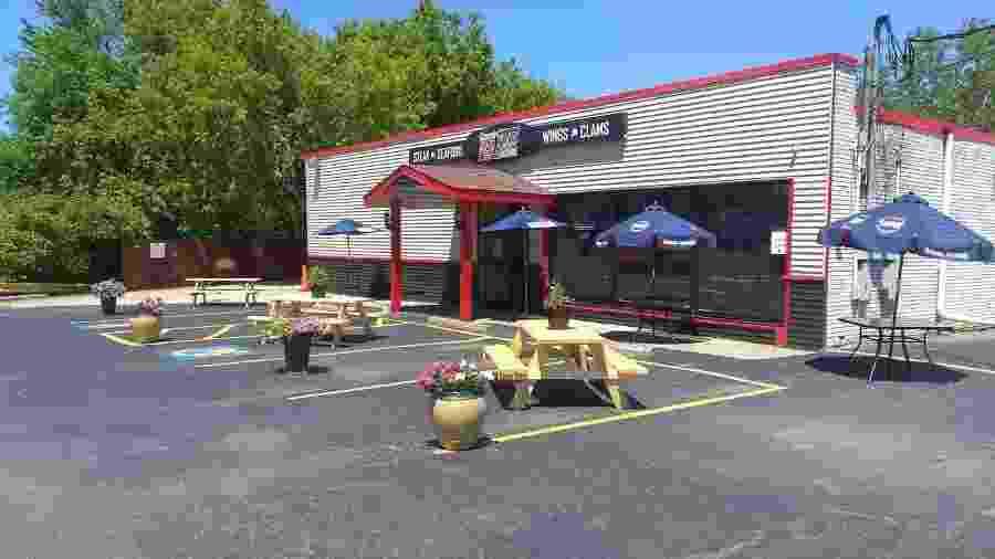 """Área externa do Pamp""""s Red Zone Bar and Grill, em Buffalo, local onde ocorreu a briga - Divulgação/Pamp""""s Red Zone Bar and Grill"""