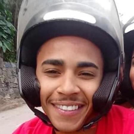 O motoboy Orlando Júnior Barbosa, 24, do Rio de Janeiro - Arquivo pessoal