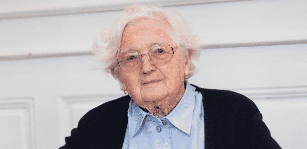 Colette Bourlier recebeu menção honrosa pela Universidade de Franche-Comté - Université de Franche-Comté