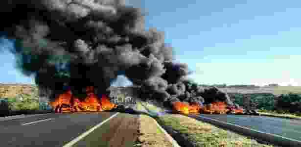 Manifestação contra o impeachment, em rodovia de Uberlândia (MG) - MST/Divulgação