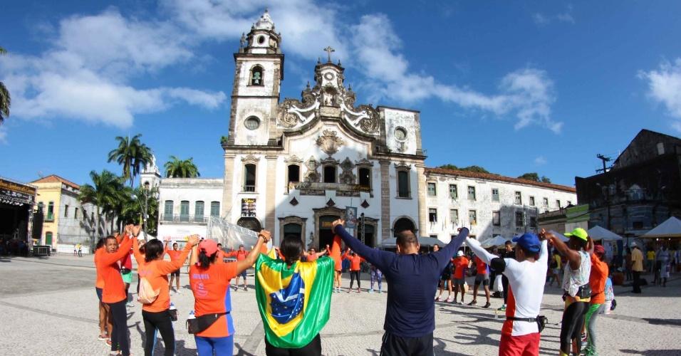 16.jul.2016 - Movimentação de fiéis na Igreja do Carmo no centro do Recife (PE), neste sábado (16), Dia de Nossa Senhora do Carmo, a Padroeira de Recife