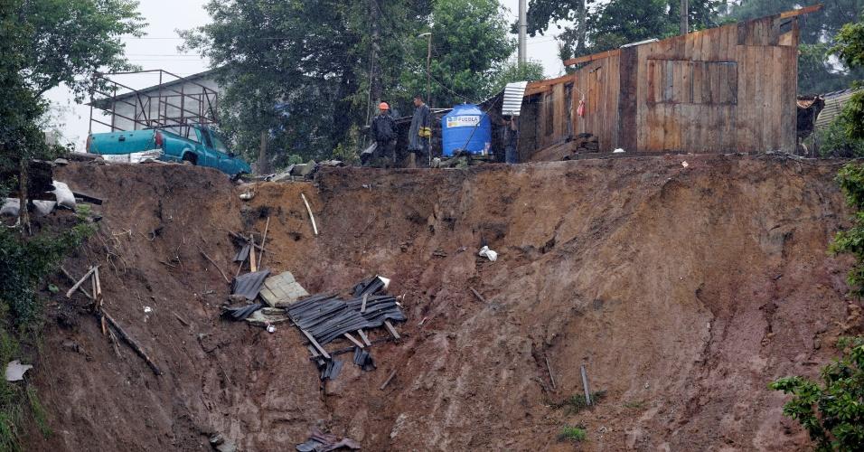 7.ago.2016 - Tempestade tropical e deslizamentos de terra deixaram ao menos 38 mortos no México. Uma das cidades mais fortemente atingidas foi Huauchinango, no Estado de Puebla