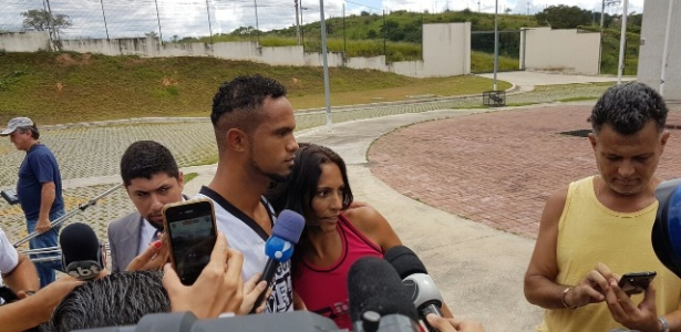 2.mar.2017 - O ex-goleiro Bruno foi à Justiça informar seu endereço de residência