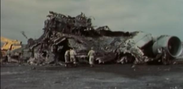 Destroços do maior acidente de avião da história, que ocorreu em 1977 - Reprodução/Discovery/YouTube