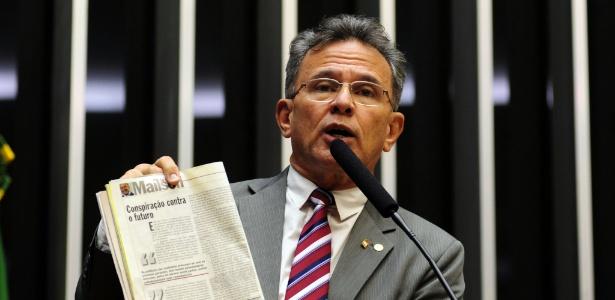 4.set.2013 - Deputado Paulo Ruben Santiago no plenário da Câmara
