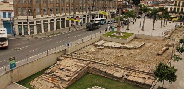 O velho cais de pedra está agora exposto, após sucessivos projetos de recuperação