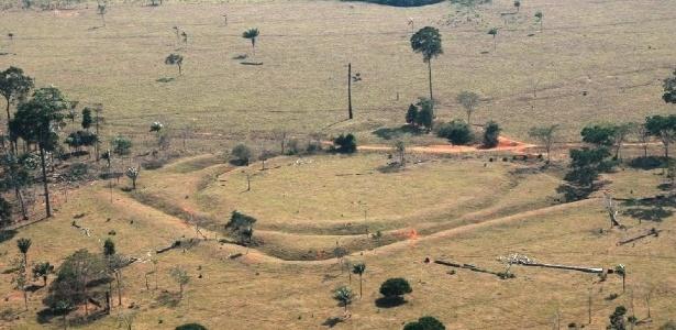 Arqueólogos do Brasil e do Reino Unido descobriram que quase 1 milhão de pessoas habitaram áreas da Amazônia entre os anos 1200 e 1450, em áreas distantes de rios