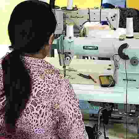 A Animale, marca de roupas de luxo, subcontratou costureiros imigrantes bolivianos e os submeteu a jornadas de mais de doze horas por dia - Fernando Martinho/Repórter Brasil