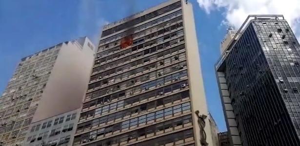 2416f0ab1a6587 Incêndio atinge prédio de Belo Horizonte; 10 são socorridos por ...