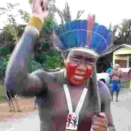 Arukapé, da Aldeia Tukapehy, em protesto na BR-153 - Rede de Apoio Mútuo Indígena do Sudeste do Pará