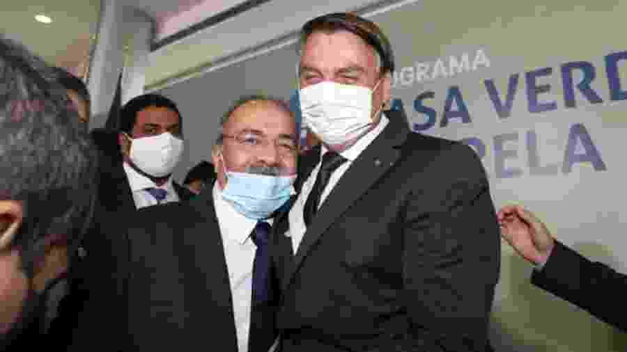 Há duas semanas, o senador Chico Rodrigues (DEM-RR), então vice-líder do governo, escondeu dinheiro na cueca durante buscas da PF - Reprodução/Twitter @senadorchico