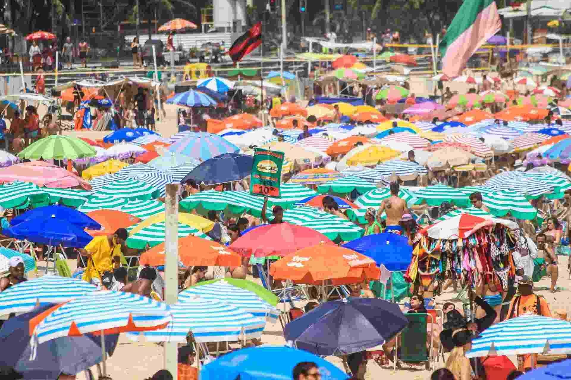 Ao todo, o Rio de Janeiro soma 402.480 infectados e 24.351 mortos desde o início da pandemia - Luciano Claudino/Estadão Conteúdo