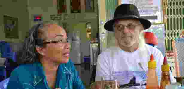 Jim Reischl e Nguyen Thi Anh - Eric San Juan/Efe - Eric San Juan/Efe