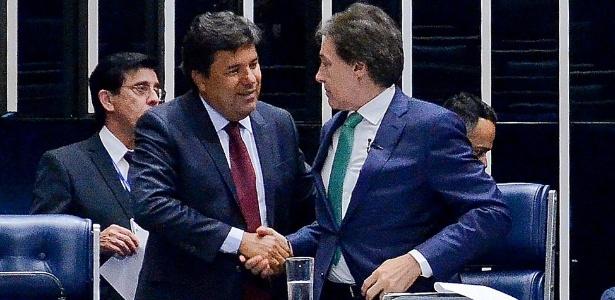 O ministro da Educação, Mendonça Filho, e o presidente do Senado, Eunício Oliveira (PMDB-CE), durante sessão que aprovou MP - Ana Volpe/Agência Senado