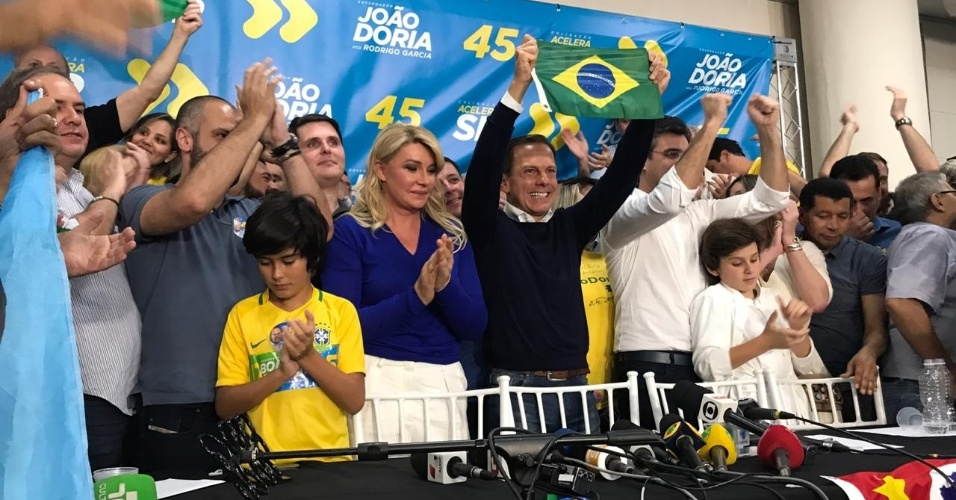 28.out.2018 - Governador eleito de São Paulo João Doria (PSDB) comemora resultado das eleições no Club Homs, na avenida Paulista, em São Paulo