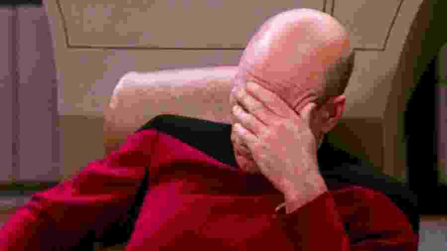 """Só Picard e seu tradicional facepalm para expressar nossa reação com o cancelamento de mais um """"Star Trek"""" - Reprodução"""