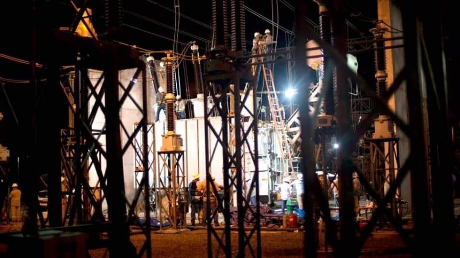 LMTE (Linhas de Macapá Transmissora de Energia) concluiu ontem o restabelecimento da carga de energia em dois transformadores na sua subestação - Emiliano Capozoli/LMTE/Divulgação