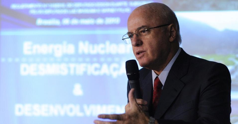 6.mai.2010 - Othon Luiz Pinheiro da Silva, então presidente da Eletronuclear
