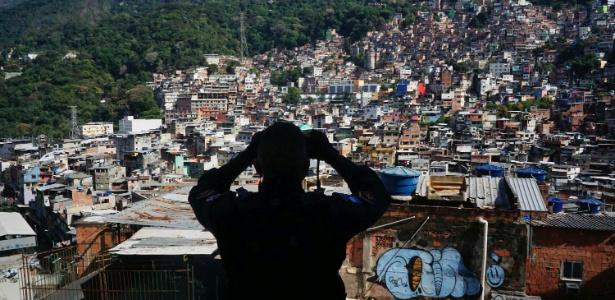 23.set.2017 - Operação conjunta da Polícia Militar e das Forças Armadas na Rocinha