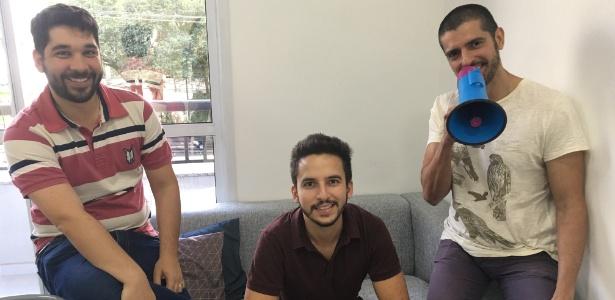 Os sócios Victor Pirino (à esq.), Danilo Gurdos (centro) e Kiko César criaram a Presente em Palavras, em 2016 - Divulgação