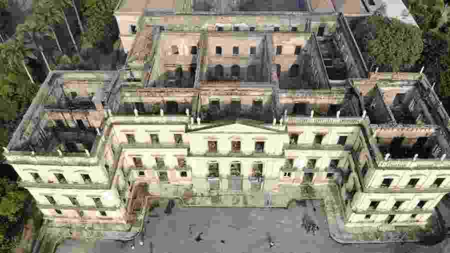 Vista da sede do Museu Nacional após o incêndio que consumiu o prédio em 2018 - Thiago Ribeiro/Agif/Estadão Conteúdo
