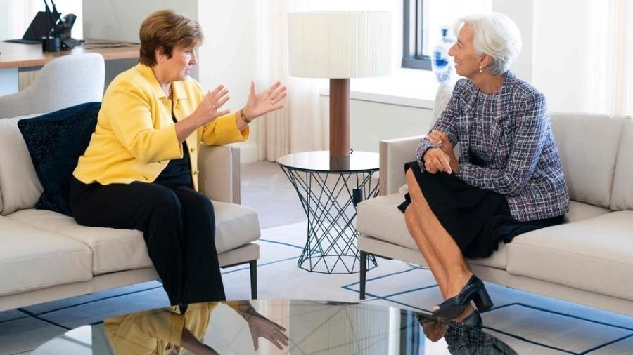 Kristalina Georgieva (esq.) substitui Christine Lagarde (dir.) como dirigente do FMI - AFP